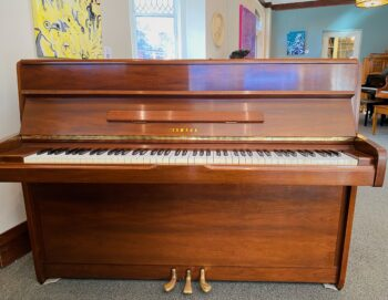 1982 Yamaha Upright Model M1A in Walnut